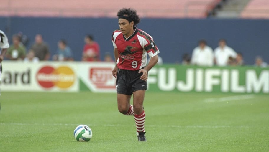 10 Jul 1996:  Hugo Sanchez of the Dallas Burn runs down the field during a game against the New York/New Jersey MetroStars at Giant Stadium in East Rutherford, New Jersey.  The Burn won the game 3-2. Mandatory Credit: Andy Lyons  /Allsport