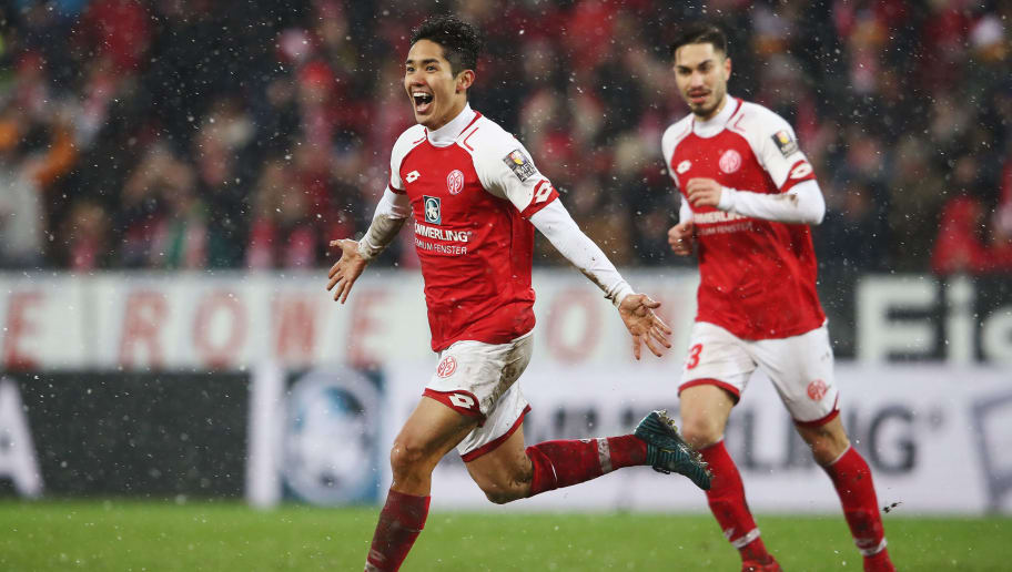 MAINZ, GERMANY - JANUARY 20:  Yoshinori Muto of Mainz celebrates his team's second goal during the Bundesliga match between 1. FSV Mainz 05 and VfB Stuttgart at Opel Arena on January 20, 2018 in Mainz, Germany.  (Photo by Alex Grimm/Bongarts/Getty Images)