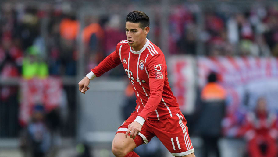 MUNICH, GERMANY - JANUARY 21: James Rodriguez of FC Bayern Muenchen controls the ball during the Bundesliga match between FC Bayern Muenchen and SV Werder Bremen at Allianz Arena on January 21, 2018 in Munich, Germany. (Photo by Matthias Hangst/Bongarts/Getty Images)