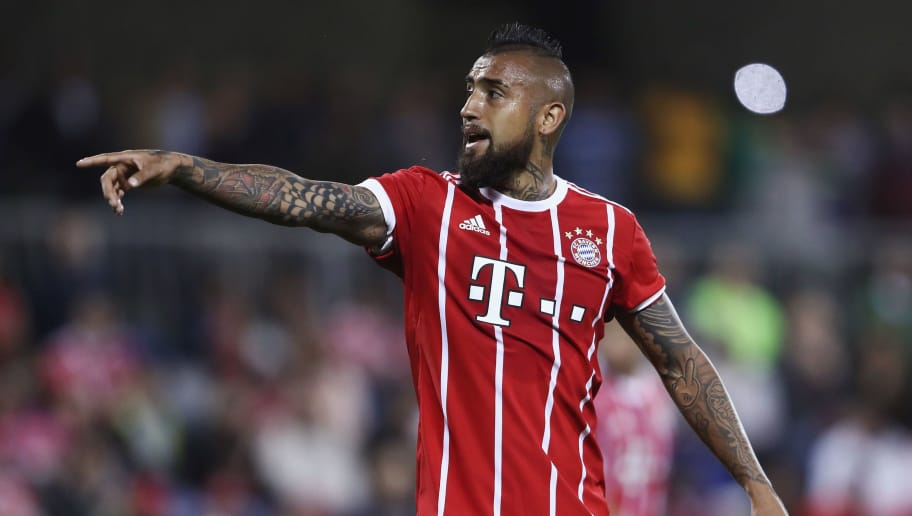 DOHA, QATAR - JANUARY 06: Arturo Vidal of Muenchen reacts during the friendly match between Al-Ahli and Bayern Muenchen on day 5 of the FC Bayern Muenchen training camp at ASPIRE Academy for Sports Excellence on January 6, 2018 in Doha, Qatar.  (Photo by Alex Grimm/Bongarts/Getty Images)