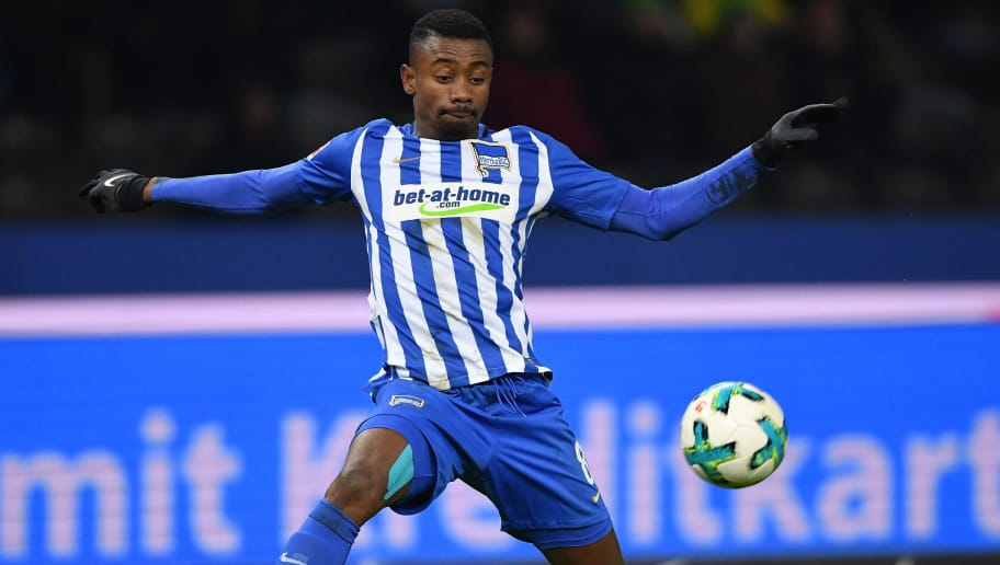 BERLIN, GERMANY - JANUARY 19:  Salomon Kalou of Berlin in action during the Bundesliga match between Hertha BSC and Borussia Dortmund at Olympiastadion on January 19, 2018 in Berlin, Germany.  (Photo by Stuart Franklin/Bongarts/Getty Images)