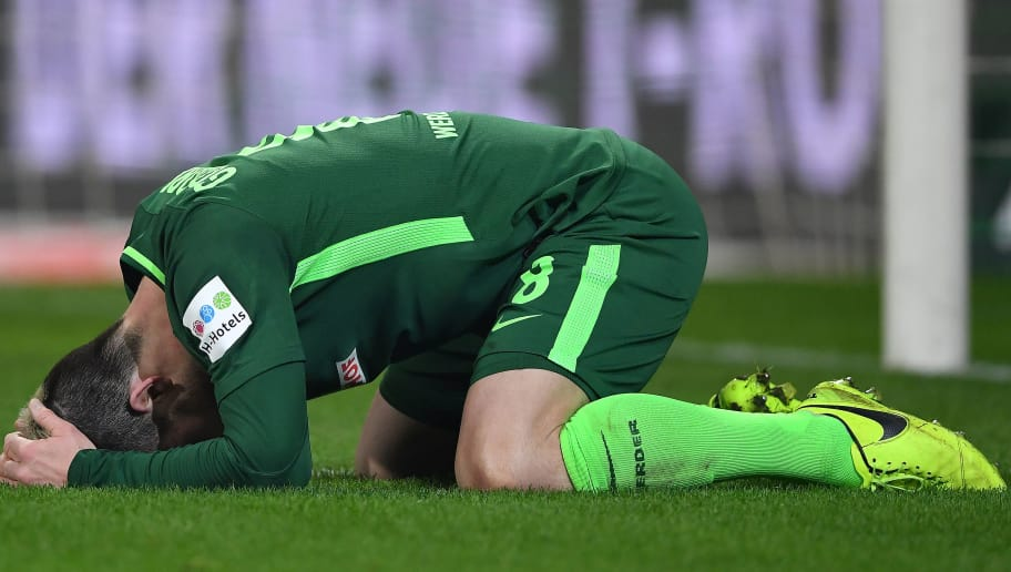 BREMEN, GERMANY - JANUARY 27: Jerome Gondorf of Bremen reacts after missing a chance during the Bundesliga match between SV Werder Bremen and Hertha BSC at Weserstadion on January 27, 2018 in Bremen, Germany. (Photo by Stuart Franklin/Bongarts/Getty Images)