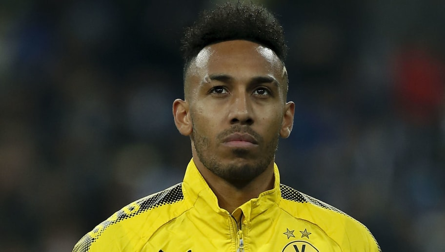 MADRID, SPAIN - DECEMBER 06: Pierre-Emetic Aubameyang of Borussia Dortmund stands prior to start  the UEFA Champions League group H match between Real Madrid and Borussia Dortmund at Estadio Santiago Bernabeu on December 6, 2017 in Madrid, Spain. (Photo by Gonzalo Arroyo Moreno/Getty Images)