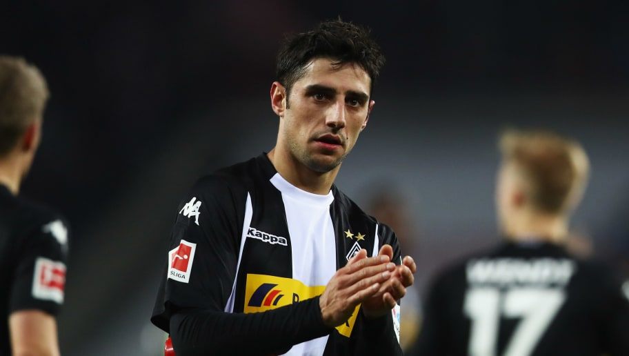 COLOGNE, GERMANY - JANUARY 14:  Lars Stindl of Borussia Monchengladbach thanks the fans after defeat in the Bundesliga match between 1. FC Koeln and Borussia Moenchengladbach at RheinEnergieStadion on January 14, 2018 in Cologne, Germany.  (Photo by Dean Mouhtaropoulos/Bongarts/Getty Images)