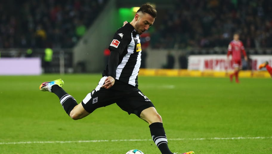 MOENCHENGLADBACH, GERMANY - NOVEMBER 25:  Josip Drmic of Borussia Monchengladbach in action during the Bundesliga match between Borussia Moenchengladbach and FC Bayern Muenchen at Borussia-Park on November 25, 2017 in Moenchengladbach, Germany.  (Photo by Dean Mouhtaropoulos/Bongarts/Getty Images)
