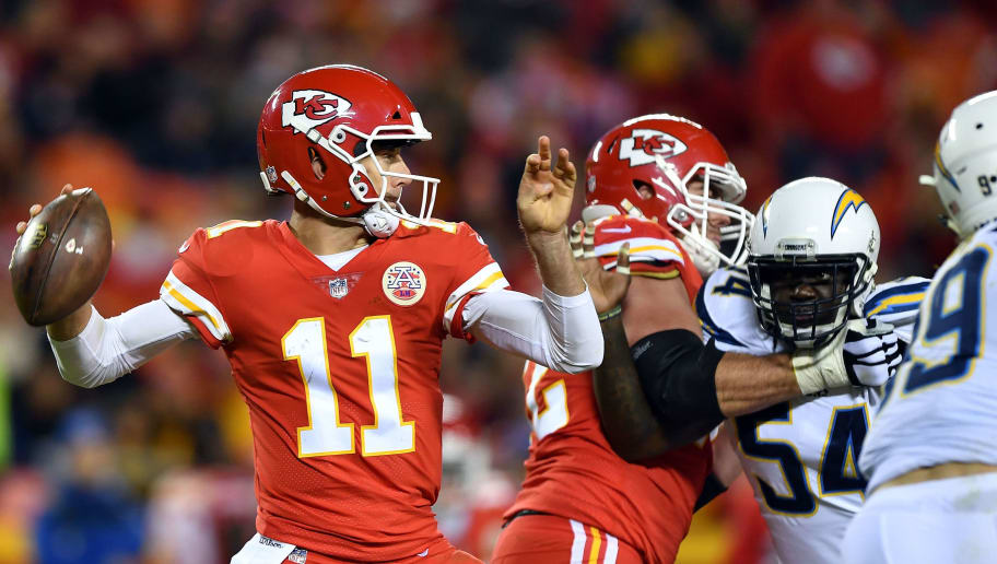 KANSAS CITY, MO - DECEMBER 16:  Quarterback Alex Smith #11 of the Kansas City Chiefs passes during the game against the Los Angeles Chargers at Arrowhead Stadium on December 16, 2017 in Kansas City, Missouri.  (Photo by Peter Aiken/Getty Images)