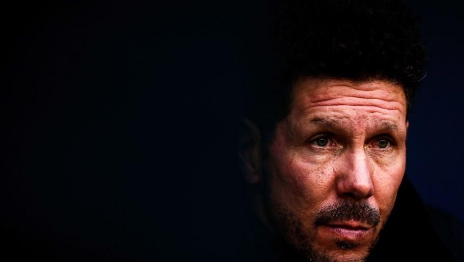 MADRID, SPAIN - JANUARY 28: Head coach Diego Pablo Simeone of Atletico de Madrid looks on from the bench prior to start the La Liga match between Club Atletico Madrid and UD Las Palmas at Estadio Wanda Metropolitano on January 28, 2018 in Madrid, Spain. (Photo by Gonzalo Arroyo Moreno/Getty Images)
