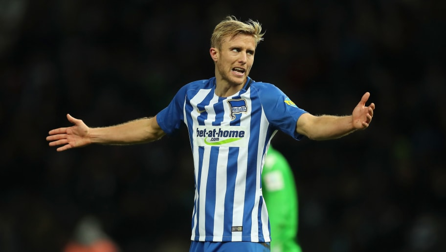 BERLIN, GERMANY - NOVEMBER 18:  Per Skjelbred of Hertha BSC reacts during the Bundesliga match between Hertha BSC and Borussia Moenchengladbach at Olympiastadion on November 18, 2017 in Berlin, Germany.  (Photo by Boris Streubel/Bongarts/Getty Images)