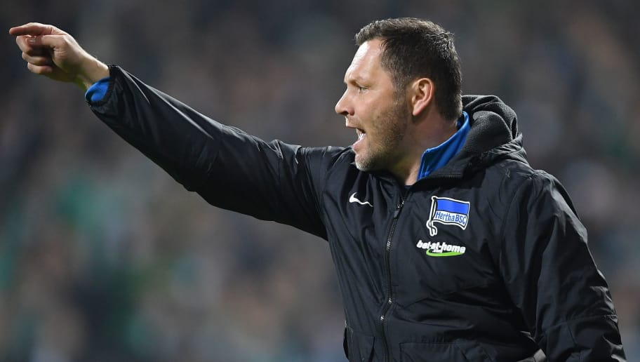 BREMEN, GERMANY - JANUARY 27:  Pal Dardai, head coach of Berlin gestures during the Bundesliga match between SV Werder Bremen and Hertha BSC at Weserstadion on January 27, 2018 in Bremen, Germany.  (Photo by Stuart Franklin/Bongarts/Getty Images)