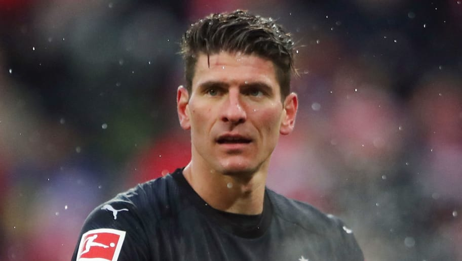 MAINZ, GERMANY - JANUARY 20:  Mario Gomez of Stuttgart reacts during the Bundesliga match between 1. FSV Mainz 05 and VfB Stuttgart at Opel Arena on January 20, 2018 in Mainz, Germany.  (Photo by Alex Grimm/Bongarts/Getty Images)