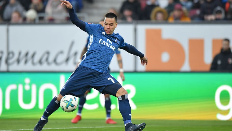 AUGSBURG, GERMANY - JANUARY 13: Bobby Wood of Hamburg takes a shot at the goal during the Bundesliga match between FC Augsburg and Hamburger SV at WWK-Arena on January 13, 2018 in Augsburg, Germany. (Photo by Sebastian Widmann/Bongarts/Getty Images)