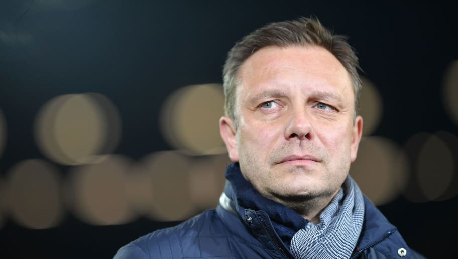 HANOVER, GERMANY - JANUARY 28:  Andre Breitenreiter, head coach of Hannover looks on during the Bundesliga match between Hannover 96 and VfL Wolfsburg at HDI-Arena on January 28, 2018 in Hanover, Germany.  (Photo by Stuart Franklin/Bongarts/Getty Images)