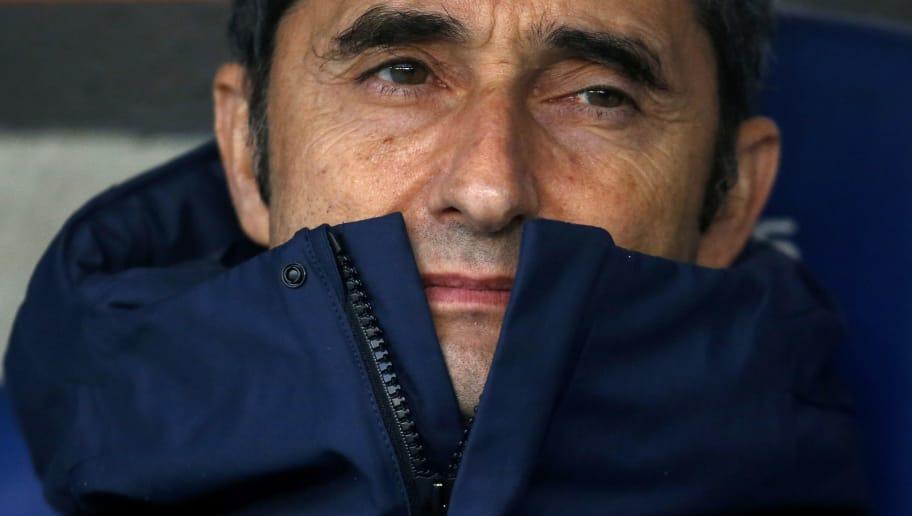 Barcelona's Spanish coach Ernesto Valverde looks on before the Spanish league football match between RCD Espanyol and FC Barcelona at the RCDE Stadium in Cornella de Llobregat on February 4, 2018. / AFP PHOTO / PAU BARRENA        (Photo credit should read PAU BARRENA/AFP/Getty Images)