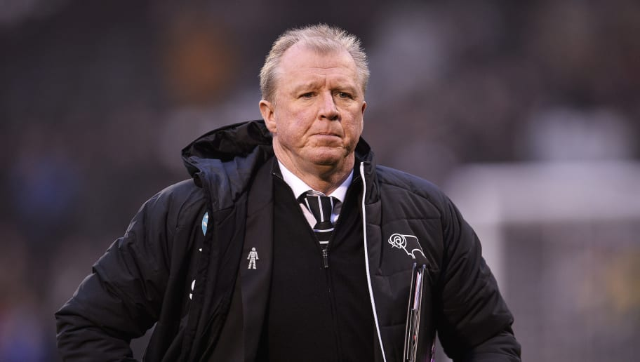 LONDON, ENGLAND - DECEMBER 17: Manager of Derby County, Steve McClaren looks on ahead of the Sky Bet Championship match between Fulham and Derby County at Craven Cottage on December 17, 2016 in London, England. (Photo by Justin Setterfield/Getty Images)