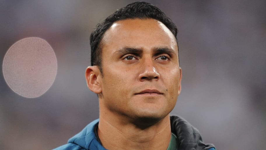 MADRID, SPAIN - SEPTEMBER 13: Keylor Navas of Real Madrid CF   lines-up for during the UEFA Champions League group H match between Real Madrid and APOEL Nikosia at Estadio Santiago Bernabeu on September 13, 2017 in Madrid, Spain. (Photo by Denis Doyle/Getty Images)