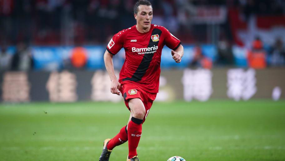 LEVERKUSEN, GERMANY - OCTOBER 28: Julian Baumgartlinger of Leverkusen controls the ball during the Bundesliga match between Bayer 04 Leverkusen and 1. FC Koeln at BayArena on October 28, 2017 in Leverkusen, Germany. (Photo by Maja Hitij/Bongarts/Getty Images)