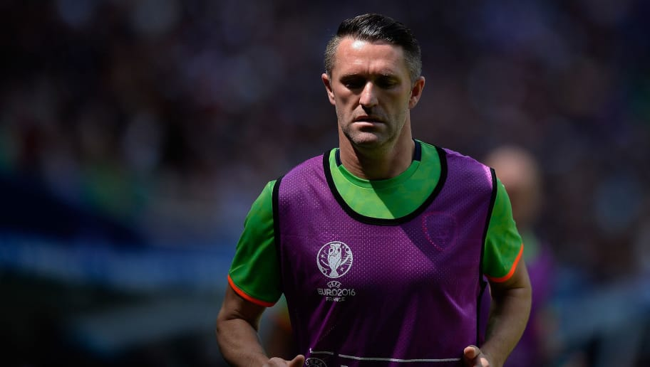 LYON, FRANCE - JUNE 26:  Robbie Keane of The Republic of Ireland warms up during the UEFA Euro 2016 round of 16 match between France and the Republic of Ireland at Stade des Lumieres on June 26, 2016 in Lyon, France.  (Photo by Aurelien Meunier/UEFA via Getty Images)