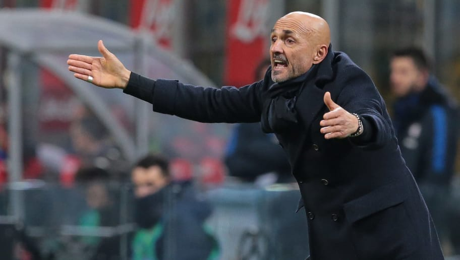 MILAN, ITALY - FEBRUARY 03:  FC Internazionale Milano coach Luciano Spalletti gestures during the serie A match between FC Internazionale and FC Crotone at Stadio Giuseppe Meazza on February 3, 2018 in Milan, Italy.  (Photo by Emilio Andreoli/Getty Images)