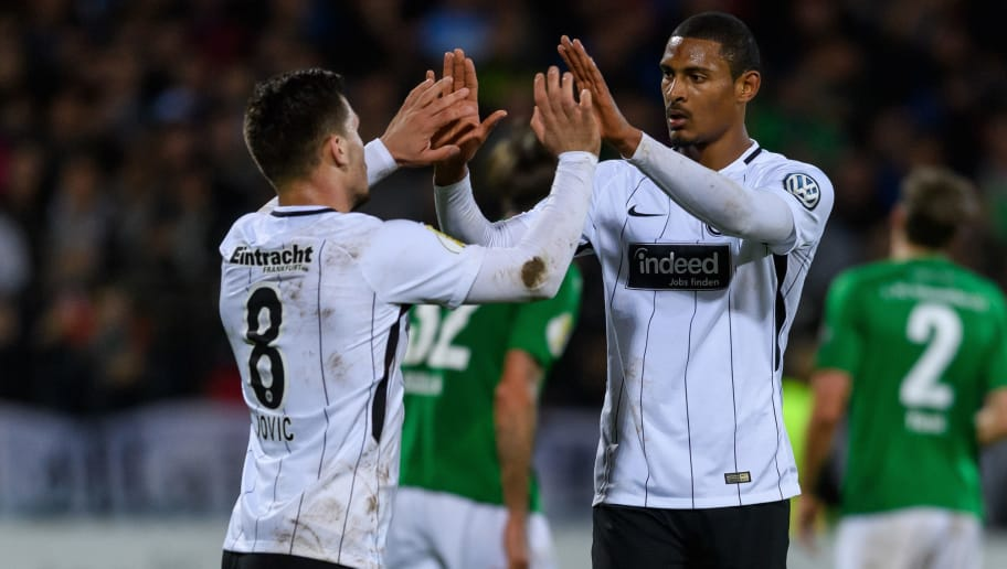 SCHWEINFURT, GERMANY - OCTOBER 24: Sebastian Haller of Eintracht Frankfurt celebrates the second goal for his team with Luka Jovic of Eintracht Frankfurt during the DFB Cup match between 1. FC Schweinfurt 1905 and Eintracht Frankfurt at Willy-Sachs-Stadion on October 24, 2017 in Schweinfurt, Germany. (Photo by Alexander Scheuber/Bongarts/Getty Images)