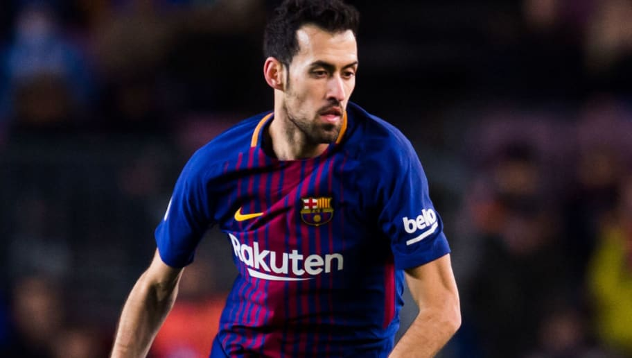 BARCELONA, SPAIN - FEBRUARY 01:  Sergio Busquets of FC Barcelona conducts the ball during the Copa del Rey semi-final first leg match between FC Barcelona and Valencia CF at Camp Nou on February 1, 2018 in Barcelona, Spain.  (Photo by Alex Caparros/Getty Images)