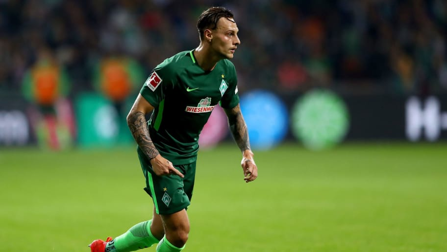 BREMEN, GERMANY - OCTOBER 15:  Robert Bauer of Bremen runs with the ball during the Bundesliga match between SV Werder Bremen and Borussia Moenchengladbach at Weserstadion on October 15, 2017 in Bremen, Germany.  (Photo by Martin Rose/Bongarts/Getty Images)