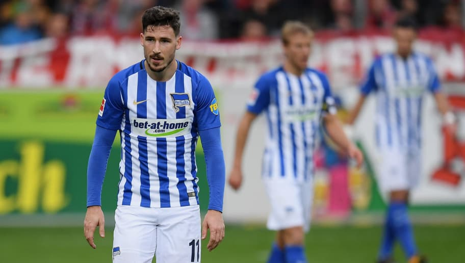 FREIBURG IM BREISGAU, GERMANY - OCTOBER 22: Mathew Leckie of Berlin shows his disappointment during the Bundesliga match between Sport-Club Freiburg and Hertha BSC at Schwarzwald-Stadion on October 22, 2017 in Freiburg im Breisgau, Germany. (Photo by Matthias Hangst/Bongarts/Getty Images)