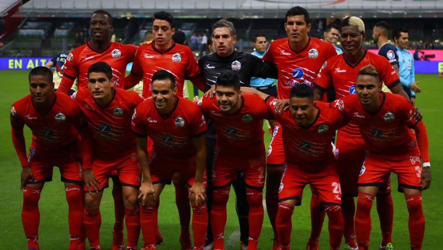 MEXICO CITY, MEXICO - FEBRUARY 03: Players of Lobos BUAP pose prior the 5th round match between America and Lobos BUAP as part of the Torneo Clausura 2018 Liga MX at Azteca Stadium on February 03, 2018 in Mexico City, Mexico. (Photo by Hector Vivas/Getty Images)