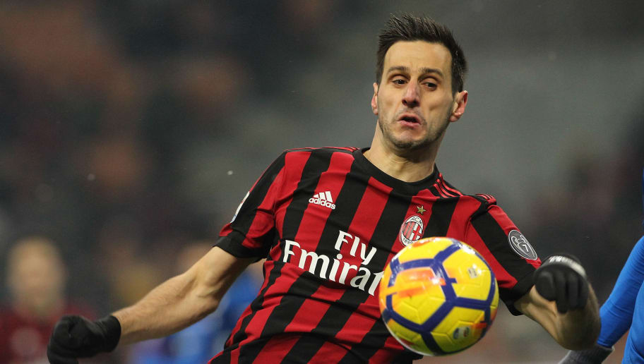 MILAN, ITALY - DECEMBER 10:  Nikola Kalinic of AC Milan in action during the Serie A match between AC Milan and Bologna FC at Stadio Giuseppe Meazza on December 10, 2017 in Milan, Italy.  (Photo by Marco Luzzani/Getty Images)