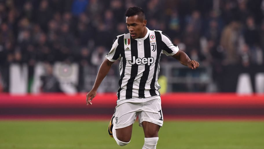TURIN, ITALY - OCTOBER 25:  Alex Sandro of Juventus in action during the Serie A match between Juventus and Spal on October 25, 2017 in Turin, Italy.  (Photo by Tullio M. Puglia/Getty Images)
