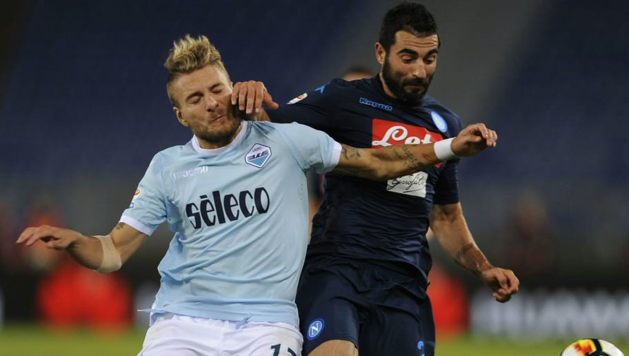 ROME, ROMA - SEPTEMBER 20:  aul Tortajafa Albiol of SSC Napoli  compete for the ball with Ciro Immobile of SS Lazio during the Serie A match between SS Lazio and SSC Napoli at Stadio Olimpico on September 20, 2017 in Rome, Italy.  (Photo by Marco Rosi/Getty Images)