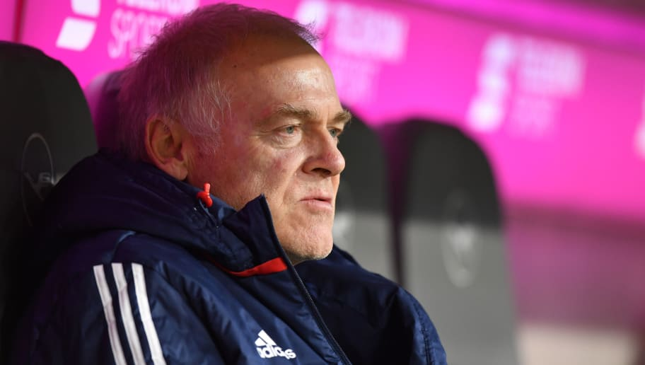 MUNICH, GERMANY - NOVEMBER 18: Assistant coach Hermann Gerland of FC Bayern Muenchen sits on the bench prior to the Bundesliga match between FC Bayern Muenchen and FC Augsburg at Allianz Arena on November 18, 2017 in Munich, Germany. (Photo by Sebastian Widmann/Bongarts/Getty Images)