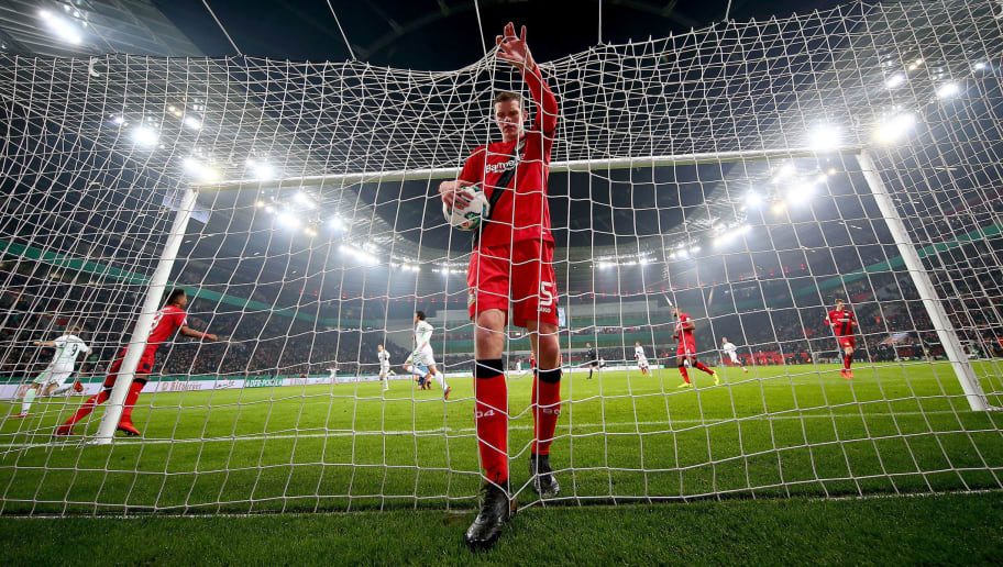 LEVERKUSEN, GERMANY - FEBRUARY 06:  Sven Bender of Leverkusen reacts during the DFB Cup quarter final match between Bayer Leverkusen and Werder Bremen at BayArena on February 6, 2018 in Leverkusen, Germany.  (Photo by Alex Grimm/Bongarts/Getty Images)