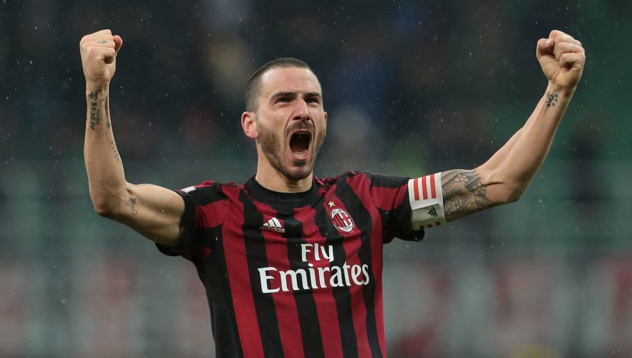 MILAN, ITALY - DECEMBER 27:  Leonardo Bonucci of AC Milan celebrates the victory at the end of the TIM Cup match between AC Milan and FC Internazionale at Stadio Giuseppe Meazza on December 27, 2017 in Milan, Italy.  (Photo by Emilio Andreoli/Getty Images)