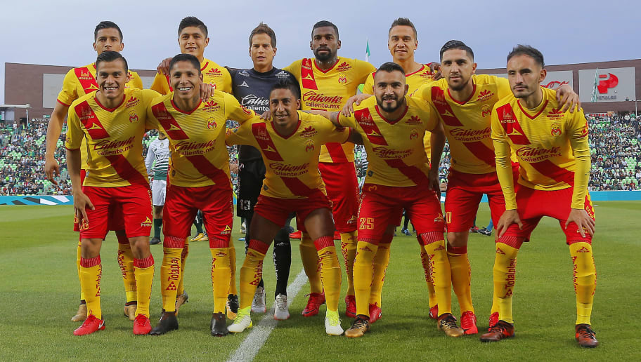 TORREON, MEXICO - JANUARY 21: Players of Morelia pose prior to the 3rd round match between Santos Laguna and Morelia as part of the Torneo Clausura 2018 Liga MX at Corona Stadium on January 21, 2018 in Torreon, Mexico. (Photo by Saul Gonzalez/Getty Images)