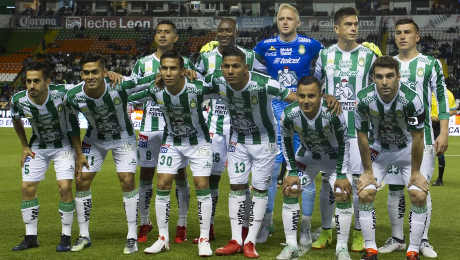 LEON, MEXICO - JANUARY 27: Players of Leon pose for a photo prior the 4th round match between Leon and Necaxa as part of the Torneo Clausura 2018 Liga MX at Leon Stadium on January 27, 2018 in Leon, Mexico. (Photo by Leopoldo Smith/Getty Images)