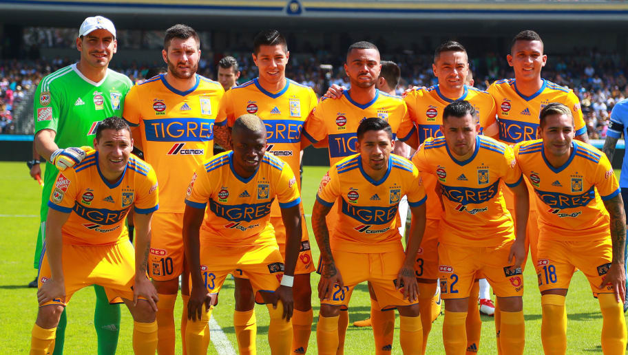 MEXICO CITY, MEXICO - FEBRUARY 04: Players of Tigres pose prior the 5th round match between Pumas UNAM and Tigres UANL as part of the Torneo Clausura 2018 Liga MX at Olimpico Universitario Stadium on February 4, 2018 in Mexico City, Mexico. (Photo by Hector Vivas/Getty Images)