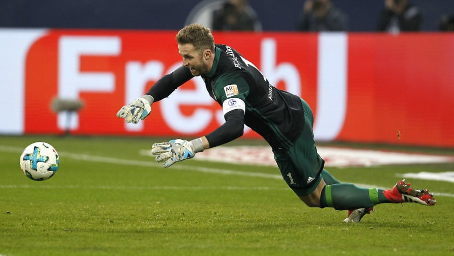 GELSENKIRCHEN, GERMANY - FEBRUARY 03:  Mistake from goalkeeper Raf Faehrmann of Schalke leads to the 1:1 goal during the Bundesliga match between FC Schalke 04 and SV Werder Bremen at Veltins-Arena on February 3, 2018 in Gelsenkirchen, Germany. (Photo by Mika Volkmann/Bongarts/Getty Images)
