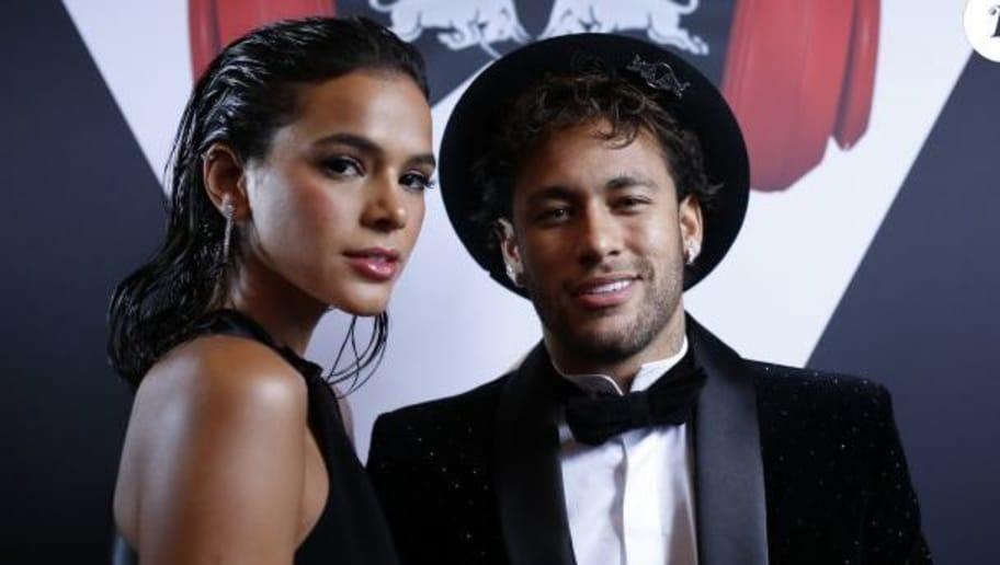 PHOTOS : La copine de Neymar plus sexy ...