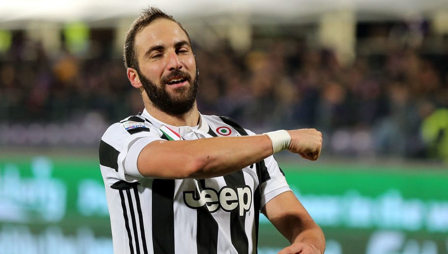 FLORENCE, ITALY - FEBRUARY 09: Gonzalo Higuain of Juventus celebrates after scoring a goal during the serie A match between ACF Fiorentina and Juventus at Stadio Artemio Franchi on February 9, 2018 in Florence, Italy.  (Photo by Gabriele Maltinti/Getty Images)