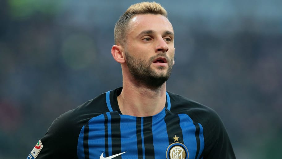 MILAN, ITALY - DECEMBER 03:  Marcelo Brozovic of FC Internazionale Milano looks on during the Serie A match between FC Internazionale and AC Chievo Verona at Stadio Giuseppe Meazza on December 3, 2017 in Milan, Italy.  (Photo by Emilio Andreoli/Getty Images)