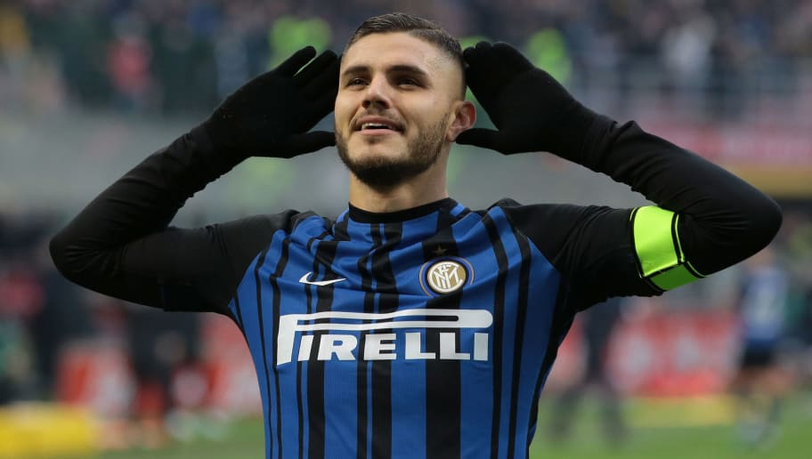 MILAN, ITALY - DECEMBER 03:  Mauro Emanuel Icardi of FC Internazionale Milano celebrates his goal during the Serie A match between FC Internazionale and AC Chievo Verona at Stadio Giuseppe Meazza on December 3, 2017 in Milan, Italy.  (Photo by Emilio Andreoli/Getty Images)