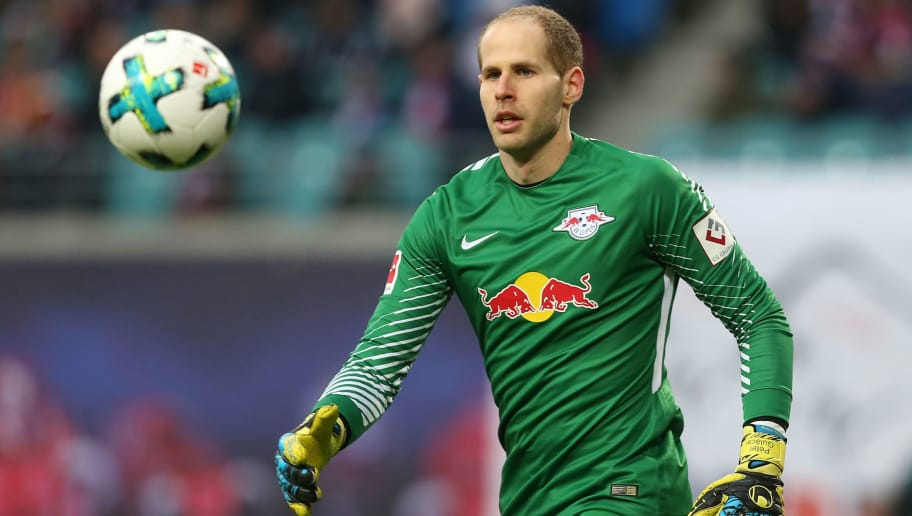 LEIPZIG, GERMANY - DECEMBER 09:  Goalkeeper Peter Gulacsi of Leipzig looks to the ball during the Bundesliga match between RB Leipzig and 1.FSV Mainz 05 at Red Bull Arena on December 9, 2017 in Leipzig, Germany.  (Photo by Matthias Kern/Bongarts/Getty Images)