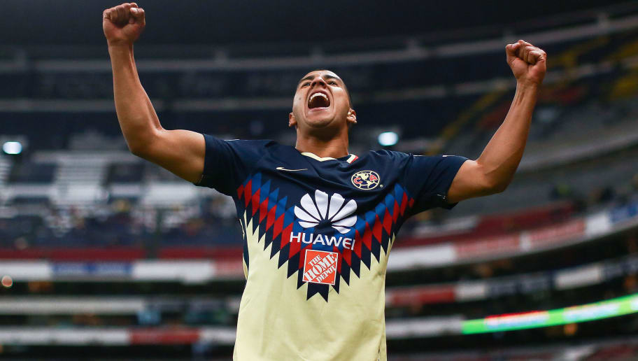 MEXICO CITY, MEXICO - FEBRUARY 13: Cecilio Dominguez of America celebrates after scoring the first goal of his team during the 7th round match between America and Monarcas as part of the Torneo Clausura 2018 Liga MX at Azteca Stadium on February 13, 2018 in Mexico City, Mexico. (Photo by Hector Vivas/Getty Images)
