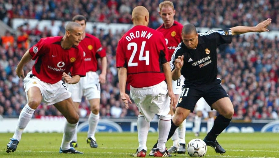 MANCHESTER, UNITED KINGDOM - APRIL 23:  Champions League 02/03, Manchester; Manchester United - Real Madrid 4:3; Rio FERDINAND, Wesley BROWN, Nicky BUTT/ManU, RONALDO/Madrid  (Photo by Andreas Rentz/Bongarts/Getty Images)