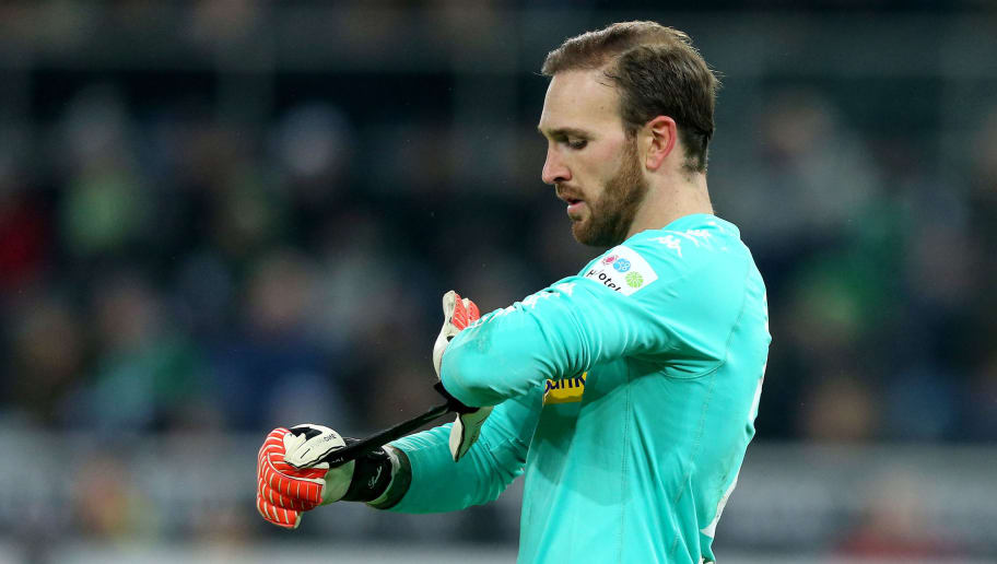 MOENCHENGLADBACH, GERMANY - FEBRUARY 03: Tobias Sippel of Mönchengladbach is seen during the Bundesliga match between Borussia Moenchengladbach and RB Leipzig at Borussia-Park on February 3, 2018 in Moenchengladbach, Germany. (Photo by Christof Koepsel/Bongarts/Getty Images)