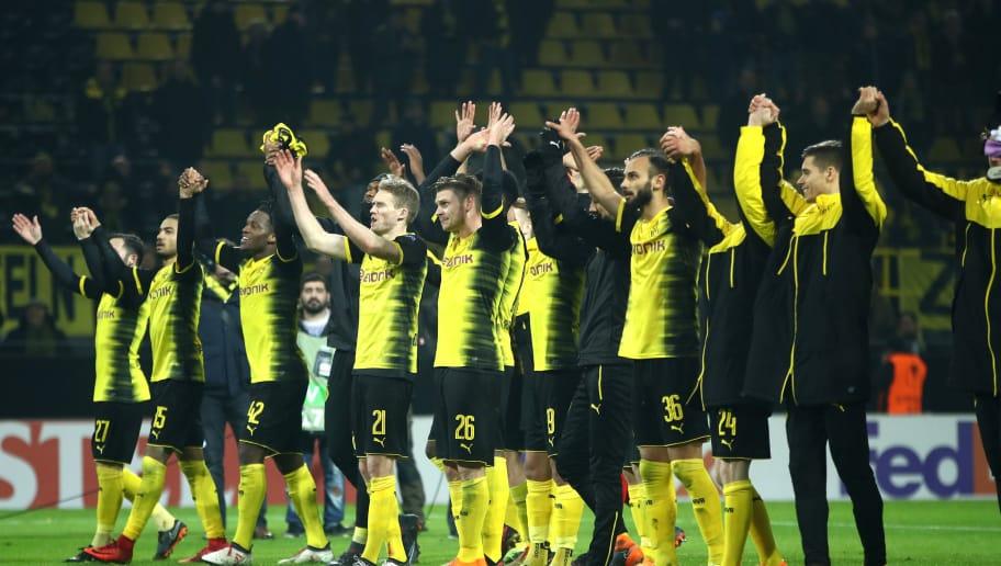 DORTMUND, GERMANY - FEBRUARY 15:  Borussia Dortmund players celebrate after the UEFA Europa League Round of 32 match between Borussia Dortmund and Atalanta Bergamo at the Signal Iduna Park on February 15, 2018 in Dortmund, Germany.  (Photo by Alex Grimm/Bongarts/Getty Images)