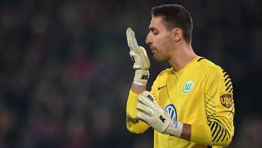 HANOVER, GERMANY - JANUARY 28:  Koen Casteels of Wolfsburg in action during the Bundesliga match between Hannover 96 and VfL Wolfsburg at HDI-Arena on January 28, 2018 in Hanover, Germany.  (Photo by Stuart Franklin/Bongarts/Getty Images)