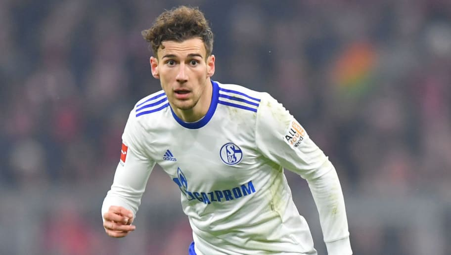 MUNICH, GERMANY - FEBRUARY 10: Leon Goretzka of Schalke plays the ball during the Bundesliga match between FC Bayern Muenchen and FC Schalke 04 at Allianz Arena on February 10, 2018 in Munich, Germany. (Photo by Sebastian Widmann/Bongarts/Getty Images)