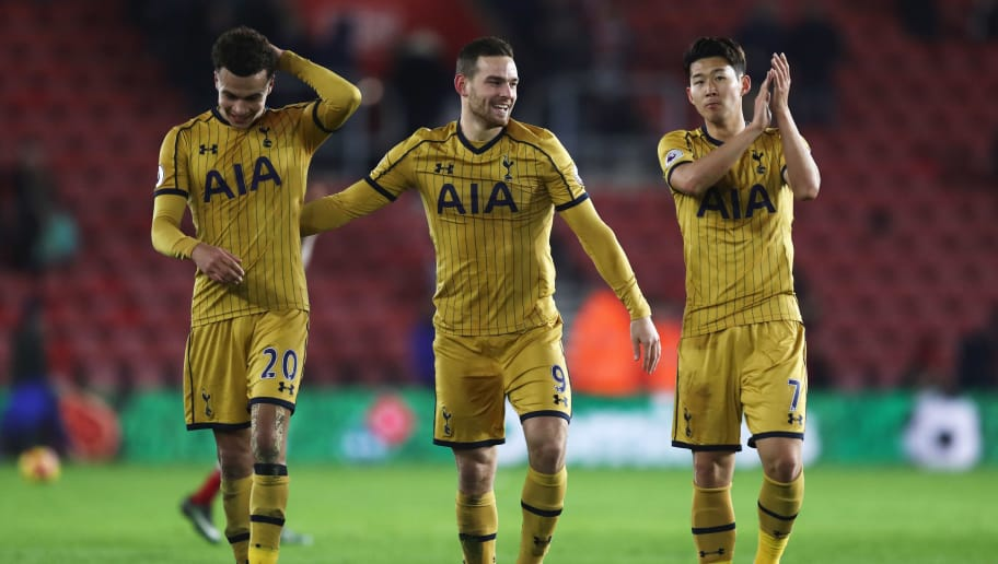 SOUTHAMPTON, ENGLAND - DECEMBER 28:  Dele Alli (20), Vincent Janssen (9) and Heung-Min Son of Tottenham Hotspur celebrate victory after the Premier League match between Southampton and Tottenham Hotspur at St Mary's Stadium on December 28, 2016 in Southampton, England.  (Photo by Julian Finney/Getty Images)
