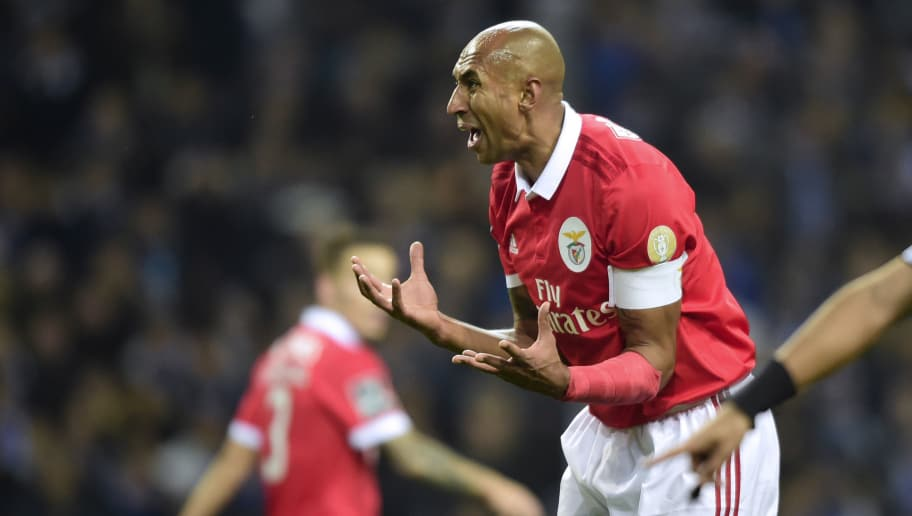 Benfica's Brazilian defender Luisao gestures during the Portuguese league football match FC Porto vs SL Benfica at the Dragao stadium in Porto, on December 1, 2017. / AFP PHOTO / MIGUEL RIOPA        (Photo credit should read MIGUEL RIOPA/AFP/Getty Images)